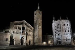 1200px-Piazza_Duomo_Parma_2009-08